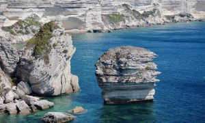 falaise-calcaire-sud-corse.jpg